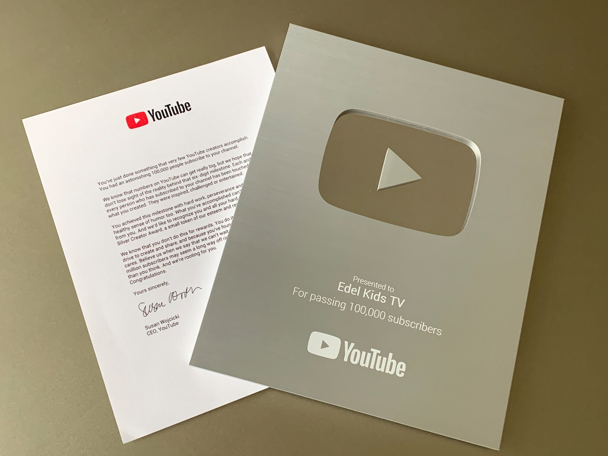YouTube Play-Button Edel Kids